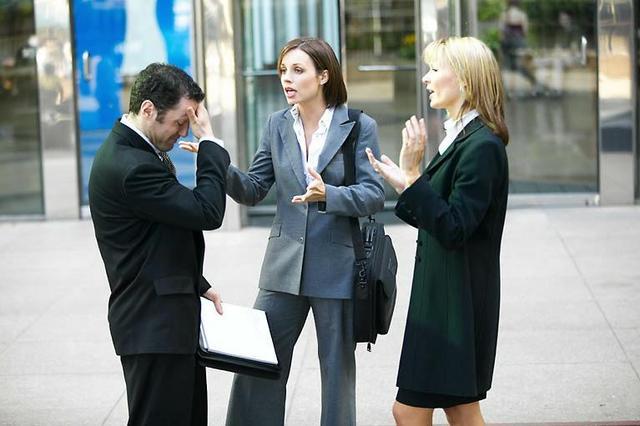 Как строить отношения с коллегами?
