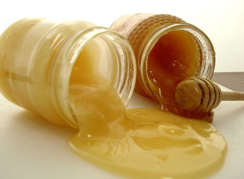 Полезные свойства меда.  Противопоказания